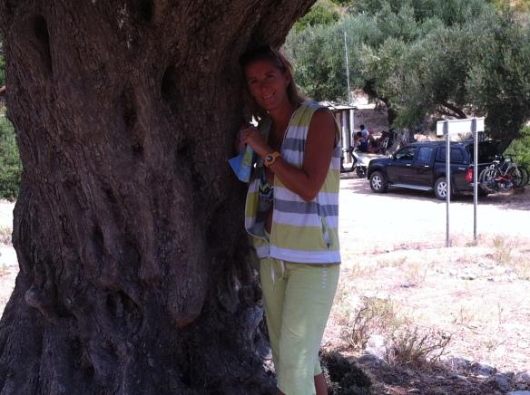 Resti del palazzo di Odisseo e i suoi olivi secolari